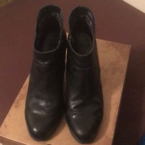 Born Claire Black Booties Size 8